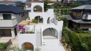 Ngôi nhà có thiết kế mái vòm độc lạ làm sáng bừng cả khu phố