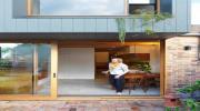 Ngôi nhà 2 tầng mang tới cảm giác thông minh, phong cách và thân thiện môi trường
