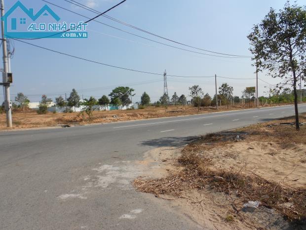 bán 14.000m2 đất nhà xưởng Phú Chánh, Tân Uyên đường DH407 bán 350 ngàn/m2