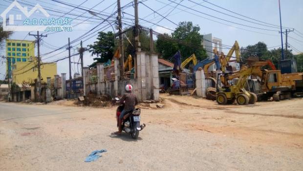 Cần bán nhà kho MT đường Trương Văn Thành P Hiệp Phú