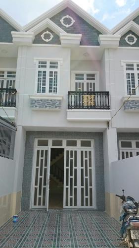 Cần bán căn nhà mới xây xong 4x25, SHR chợ Bình Chánh, cách QL1A 1.7km