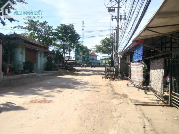 Cần bán gấp gấp 2500 m2 nhà xưỡng Gần khu công nghiệp Tân Bình