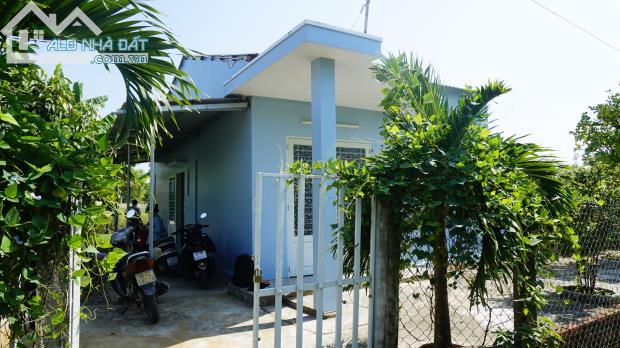 Bán nhà và đất tại đường Mỹ Lộc Phước Hậu, xã Mỹ Lộc, huyện Cần Giuộc DT: 488m2 (18x27),