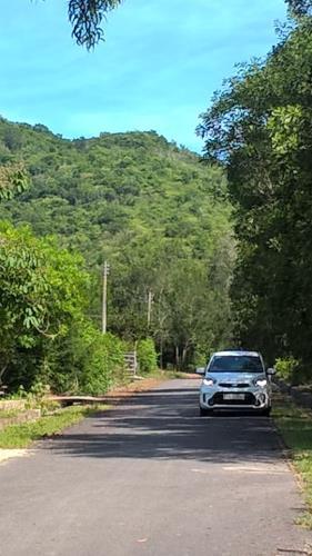 Đất xây biệt thự nghỉ dưỡng, đất lưng tựa núi, mặt tiền 100m, Diện tích 6.000m2, khu dân c