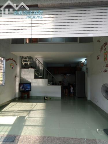 Bán Nhà  Quận 9 1 Lầu 1 Trệt Mặt Tiền 14 Đình Phong Phú P.TNPB Dt 50m2 Giá 2 Tỉ