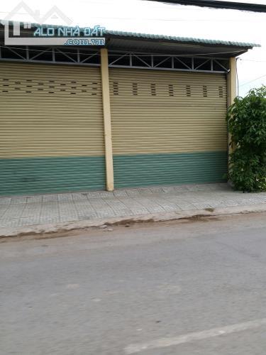 Nhà Xưởng 1640m2 Phong Phú Bình Chánh, Giá Bán 4,9 Tỷ, Sổ hồng chính chủ LH 0907.23.1828