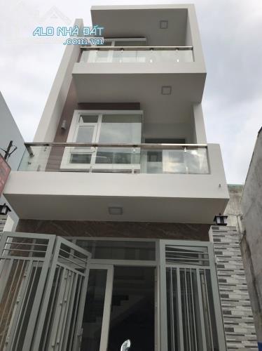 Bán nhà Quận 9 Đường Đình Phong Phú 1 Trệt 12 Lầu dt 147m2 giá 3,65 tỉ LH 0935.327.166