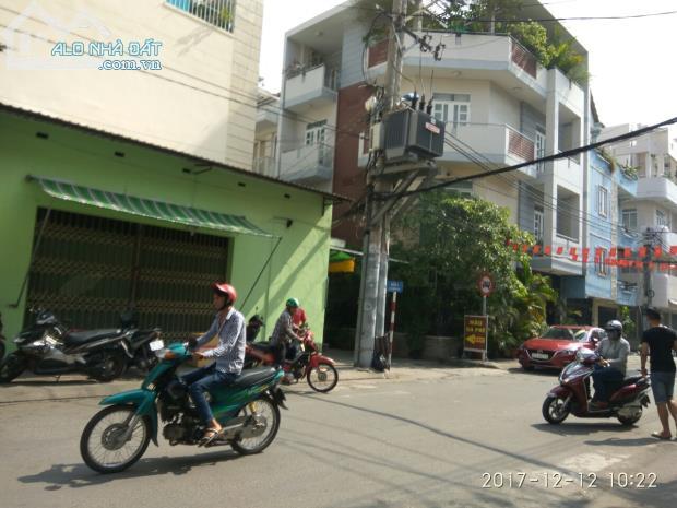 Gia đình rất cần tiền nên bán gấp nhà cấp4 mặt tiền Đoàn Thị Điểm quận Phú Nhuận