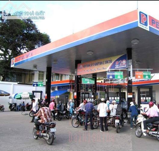 Bán cây xăng đối diện bến xe Miền Đông, Bình Thạnh dt: 1800m2