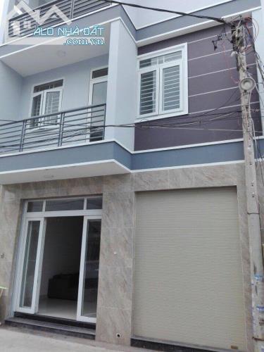 GĐ tôi cần bán gấp căn nhà ngay Hà Huy Giap, q12, DTSD: 53m2, chính chủ, kinh doanh tốt