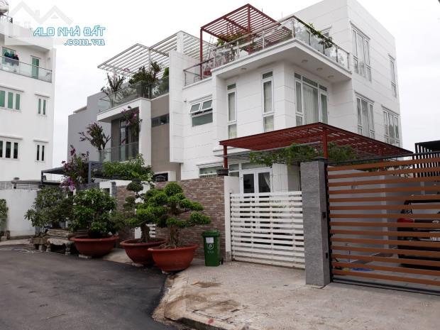 Cần để lại căn góc 72m2  mặt tiện Q7 (1,85 tỷ, nhà mới Full nội thất, ở ngay ) 0932424238
